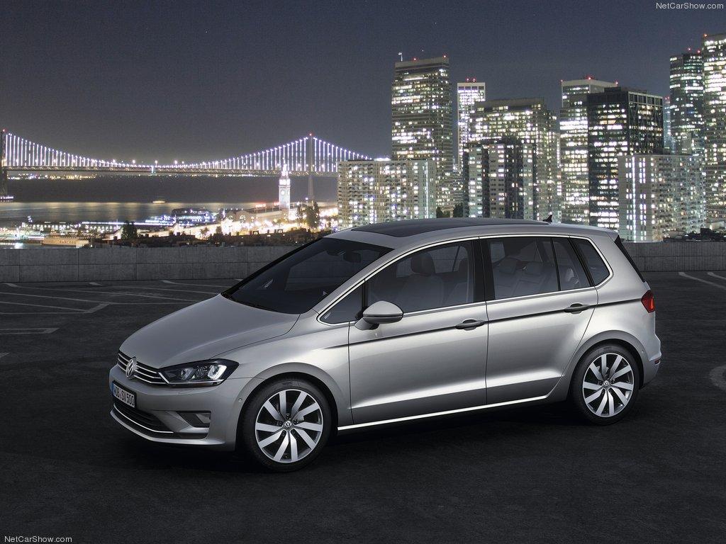 Volkswagen Golf Sportsvan. Napuchnięty