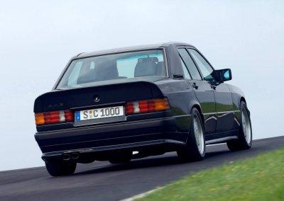 Mercedes-Benz-190E-1984-1280-23