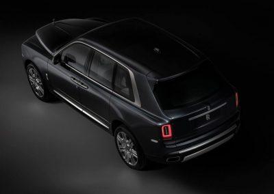 Rolls-Royce-Cullinan-2019-1024-0c